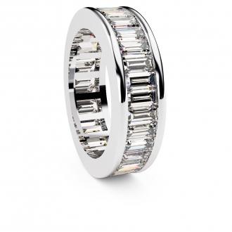 Alianza de compromiso en oro blanco con 33 diamantes talla baguette. Joyerías Barcelona