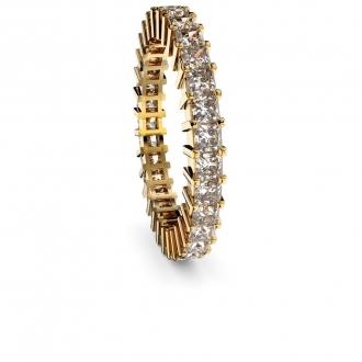 Alianza en oro blanco con diamante princesa . Joyerías Barcelona
