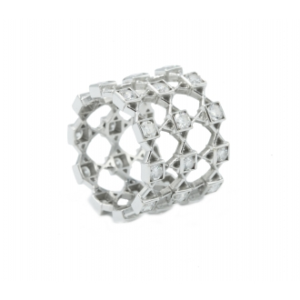 Anell Square en or blanc amb diamants. Joieries Barcelona