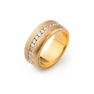 Anillo en Oro Burilado con Diamantes talla Brillante. Joyerías Barcelona