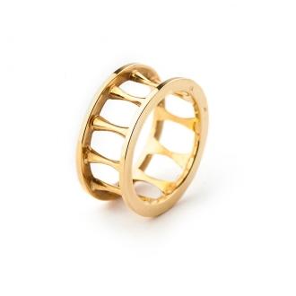 Anell en or calat amb fils convexos. Joieries Barcelona