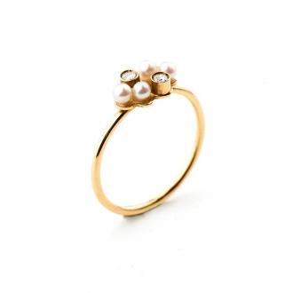 Anell de comunió en or, amb perles i brillants. Joieries Barcelona
