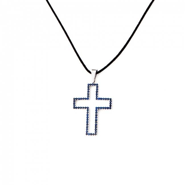 Colgante en forma de cruz de oro blanco con zafiros azules. Joyerías Barcelona
