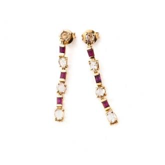 Pendientes Vintage largos en oro con rubíes y diamantes. Joyerías Barcelona